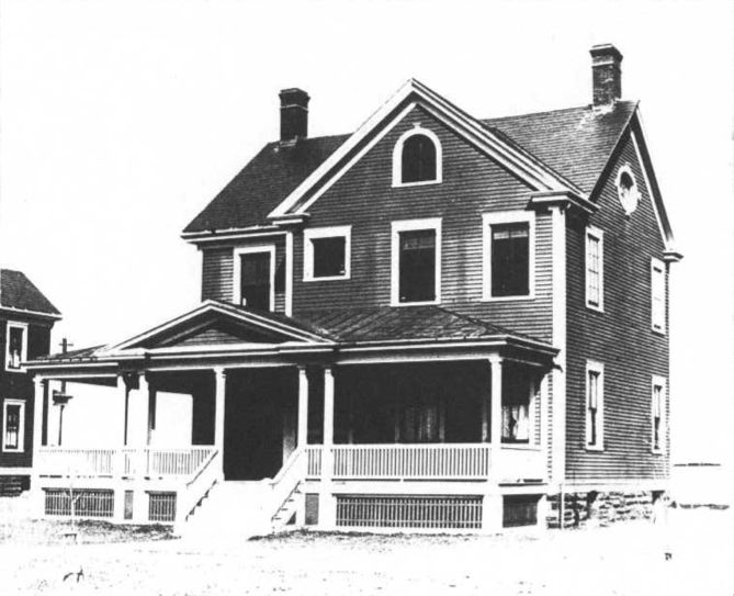 File:Fort H.G. Wright 1902 Fld Grade Qtrs.jpg