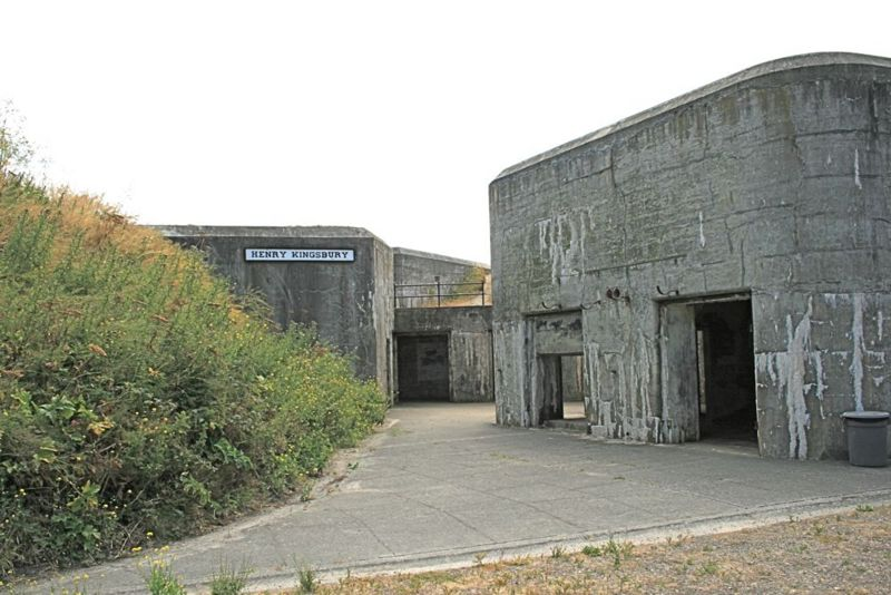 File:Fort Casey Battery Kingsbury Entrance.jpg