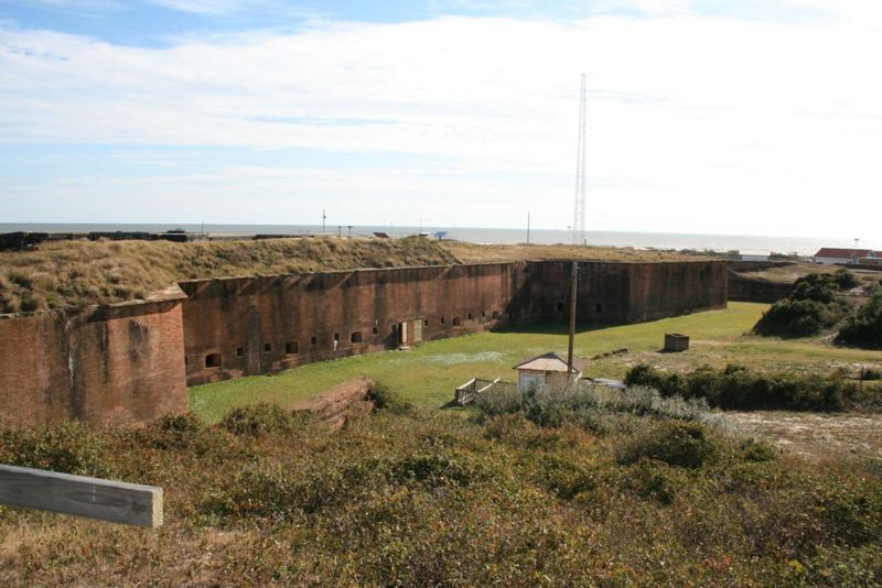 File:Fort Morgan Walls - 4.jpg