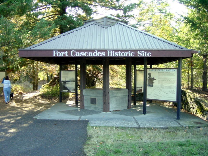 File:Fort Cascades - 2.jpg