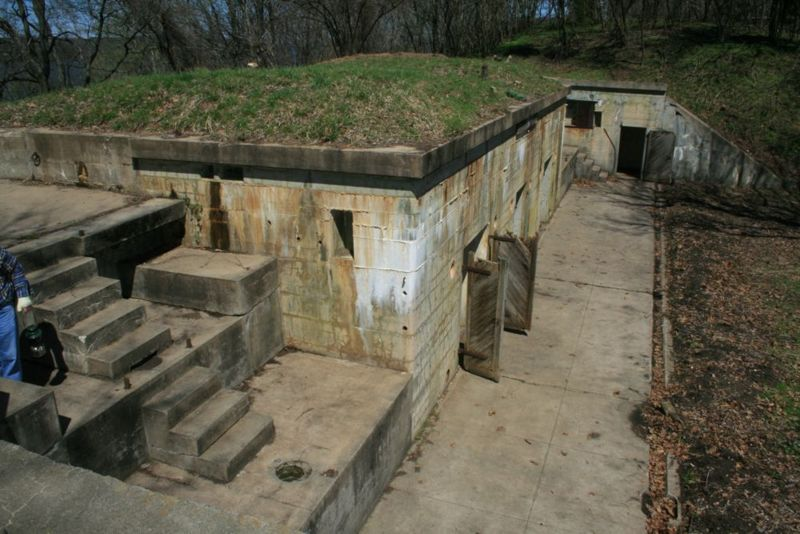 File:Fort Washington Battery Many - Side.jpg