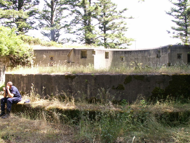 File:Battery O'Flying Gun Emplacement One - Center.JPG