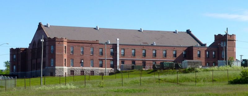 File:Barrack Green Armoury Bldg - 3.jpg