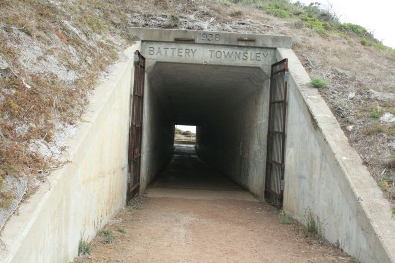 File:Fort Cronkhite Battery Townsley Emp2 Entrance.jpg