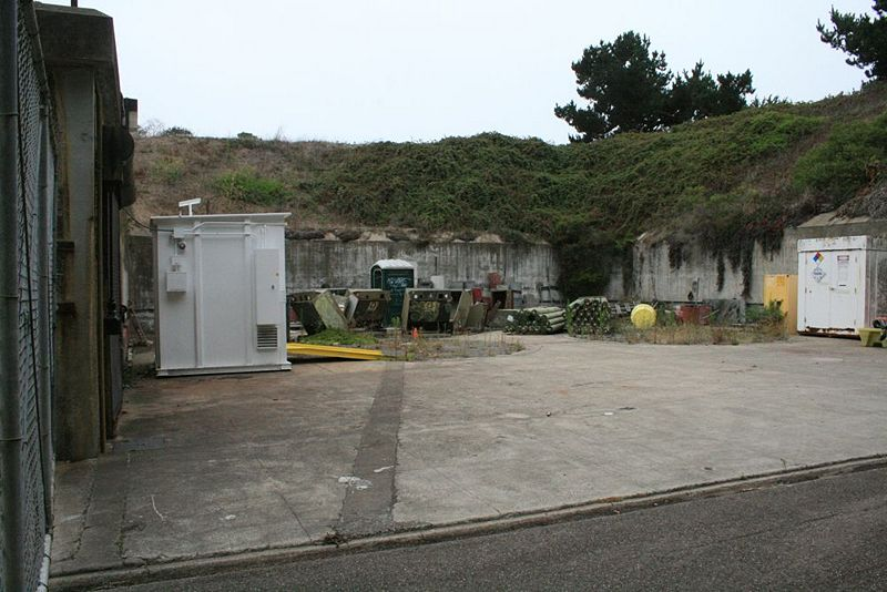 File:Fort Miley Battery Livingston PitA - 2.jpg