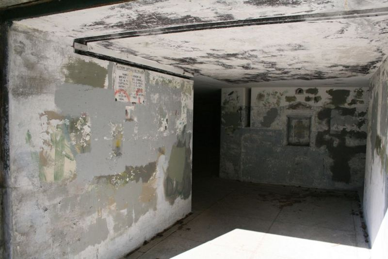 File:Fort Worden Battery Tolles B Room.jpg