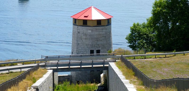 File:Fort Henry East Tower - 1.jpg