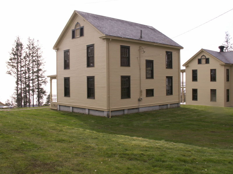 File:Fort Columbia - Administration (Back).JPG