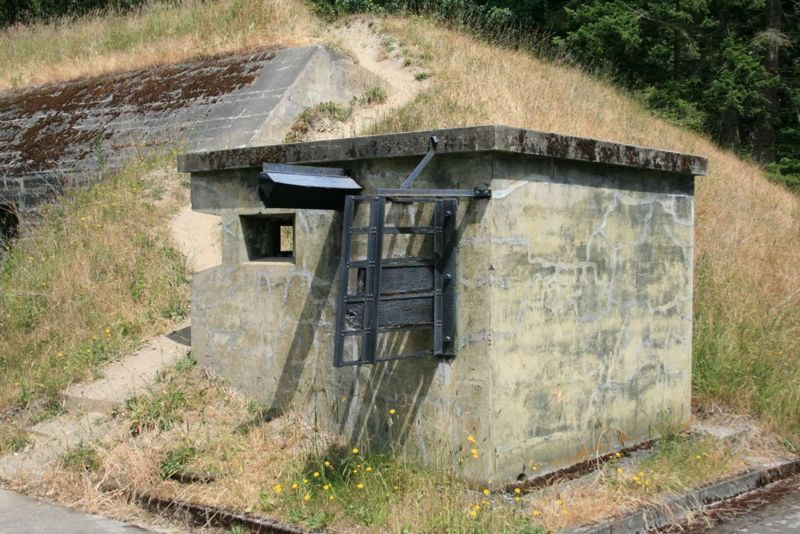 File:Fort Flagler Battery Bankhead A Data Booth - 1.jpg