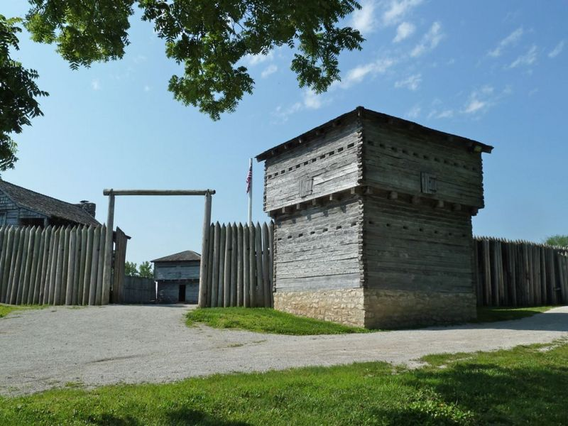 File:Fort Osage Gate and Blockhouse.jpg