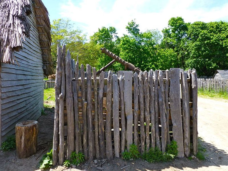 File:Plimoth Plantation Swivel Defense - 1.jpg