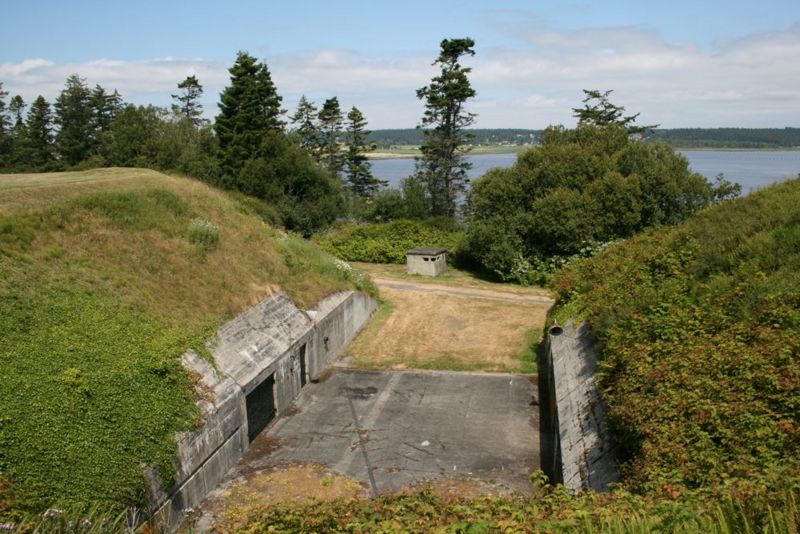 File:Fort Casey Battery Schenck - 13.jpg