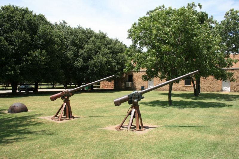 File:Fort Belknap Guns - 5.jpg