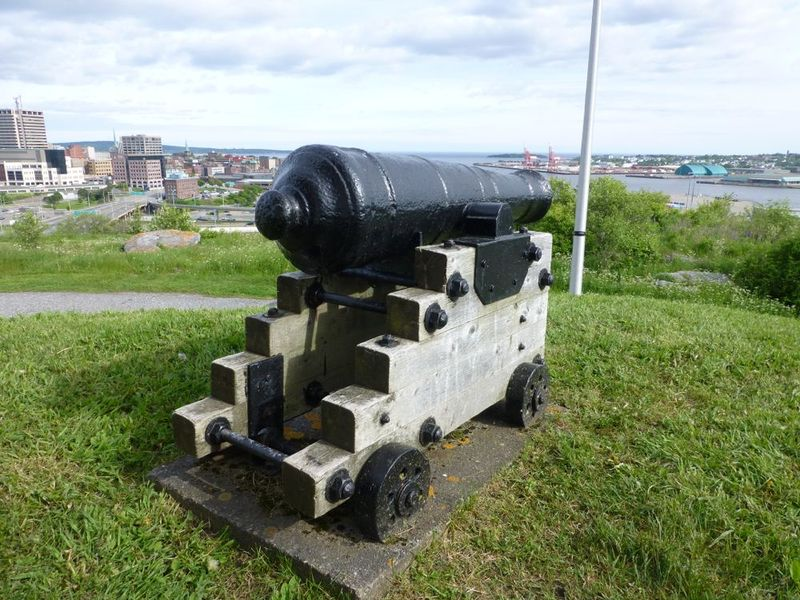 File:Fort Howe Guns - 1.jpg