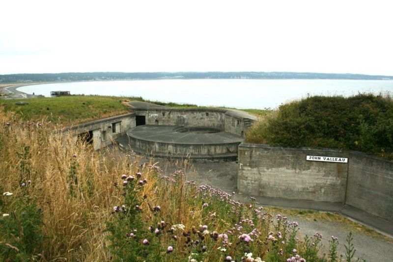 File:Fort Casey Battery Valleau.jpg