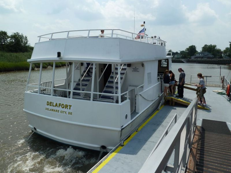 File:Fort Delaware Ferry - 1.jpg