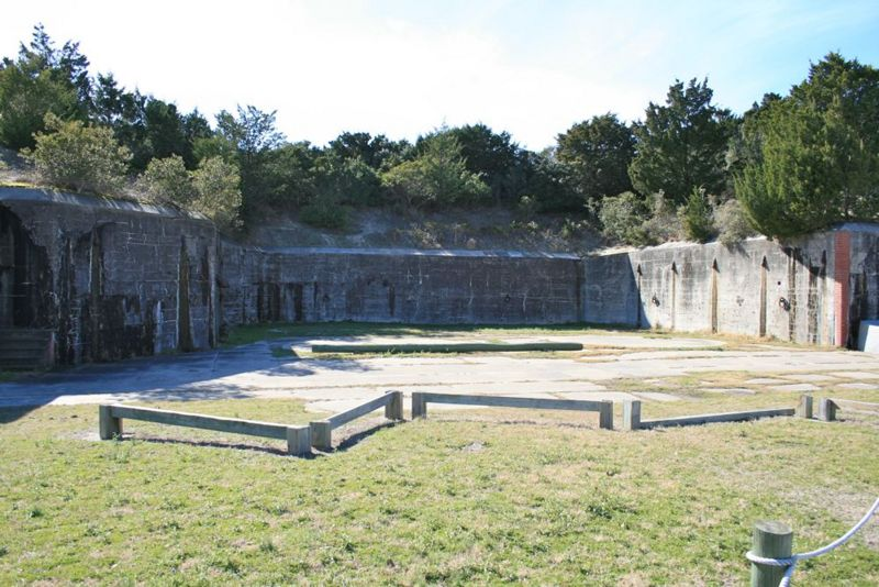 File:Fort Caswell Battery Bagely Emp2 - 2.jpg