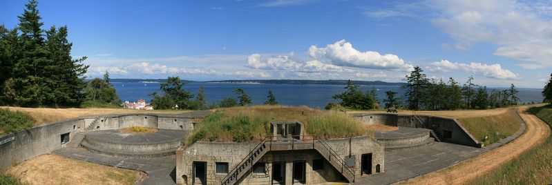 File:Fort Flagler Battery Grattan Panorama.jpg