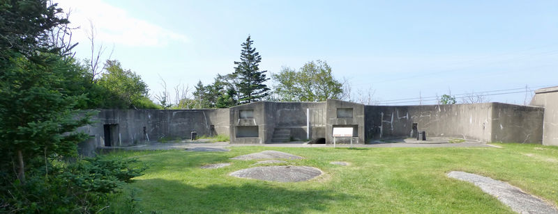 File:York Redoubt 64-pdr Bty - 01.jpg