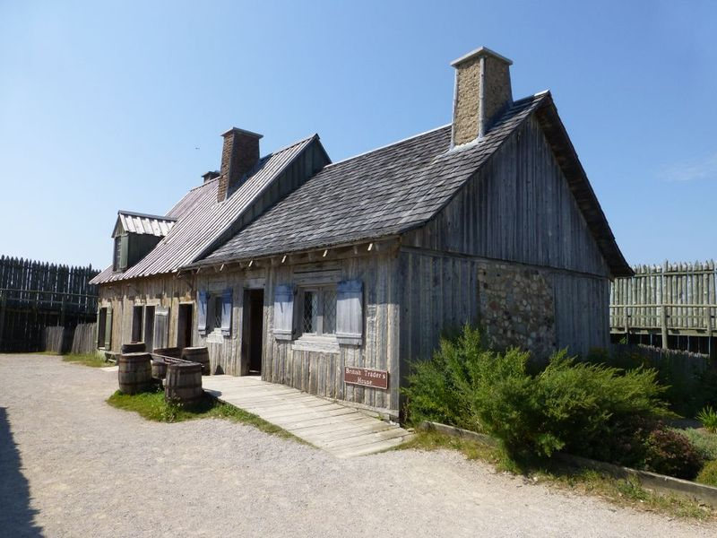 File:Fort Michilimackinac Trader House.jpg