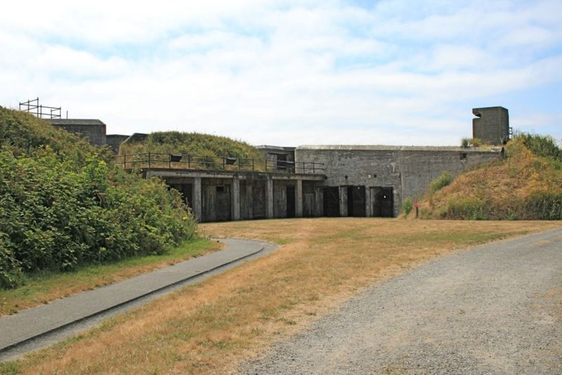 File:Fort Casey Battery Kingsbury.jpg