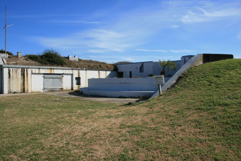 File:Fort Caswell Battery Madison Emp1 - 1.jpg