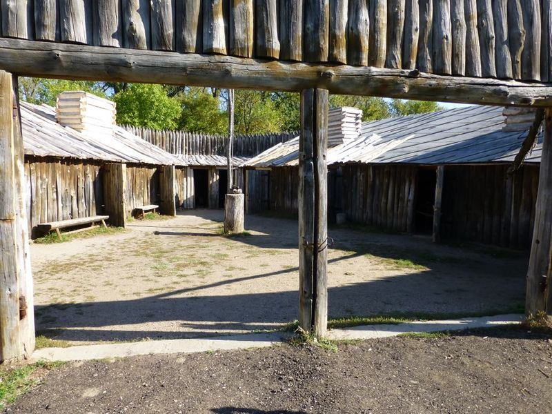 File:Fort Mandan Interior - 01.jpg