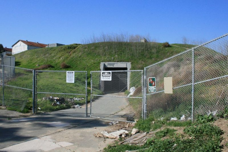 File:Fort MacArthur Battery Barlow-Saxton - Entrance.jpg