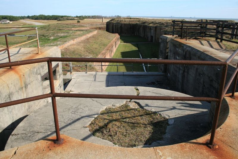 File:Fort Morgan Battery Thomas Emp 2.jpg