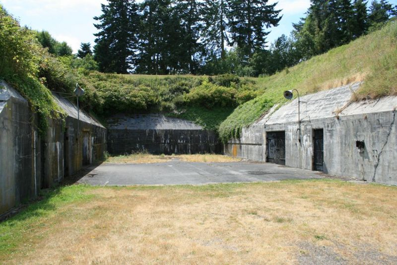 File:Fort Casey Battery Schenck - 01.jpg