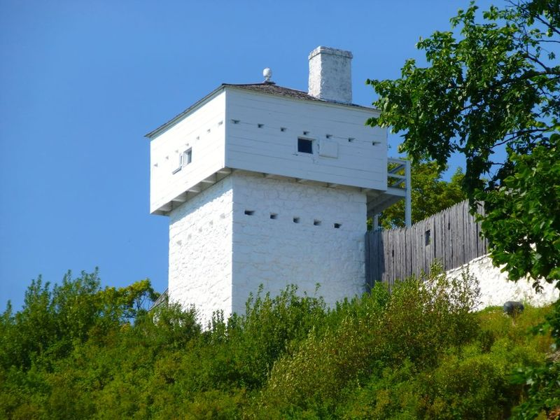 File:Fort Mackinac 1798 West Blockhouse - 10.jpg