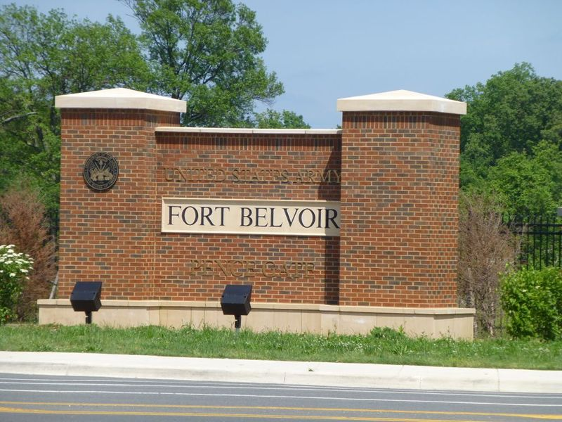 File:Fort Belvoir Entrance.jpg