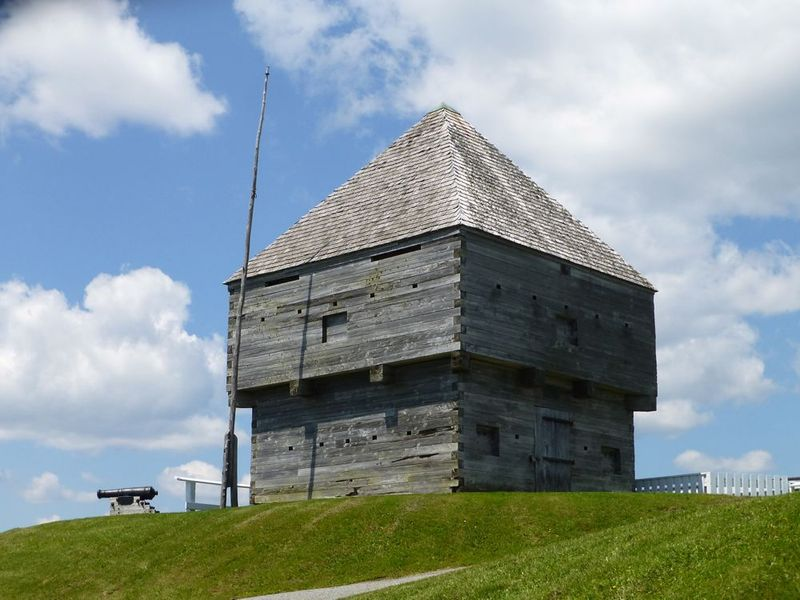 File:Fort Howe Blockhouse - 06.jpg