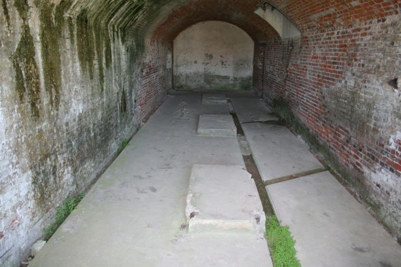 File:Fort Caswell Old Fort - 11.jpg