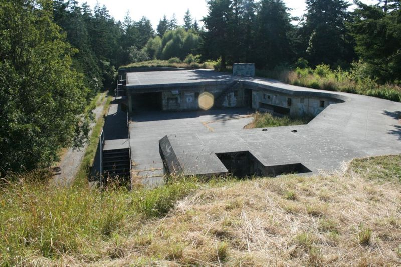 File:Fort Worden, Battery Benson FC Station - 3.jpg