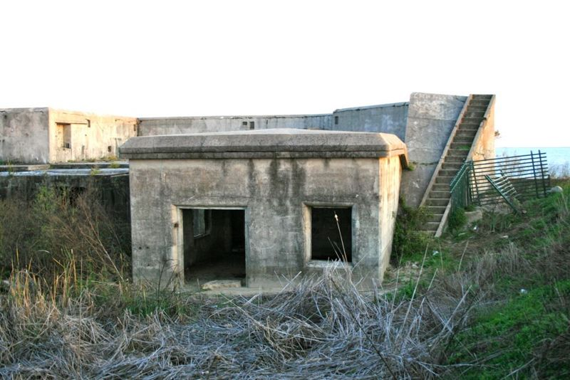 File:Fort Travis Battery Davis - 1.jpg