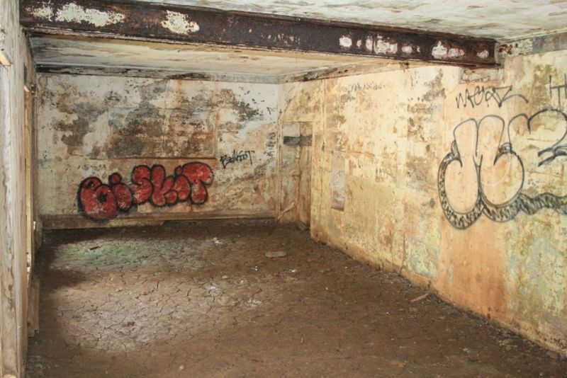 File:Fort Baker Battery Kirby Interior Rms - 1.jpg