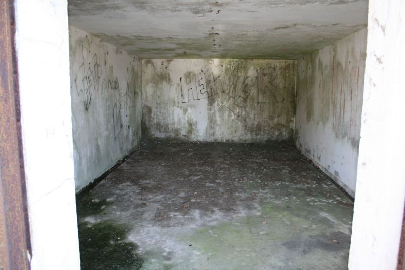 File:Fort Caswell Battery McDonough Mag2.jpg