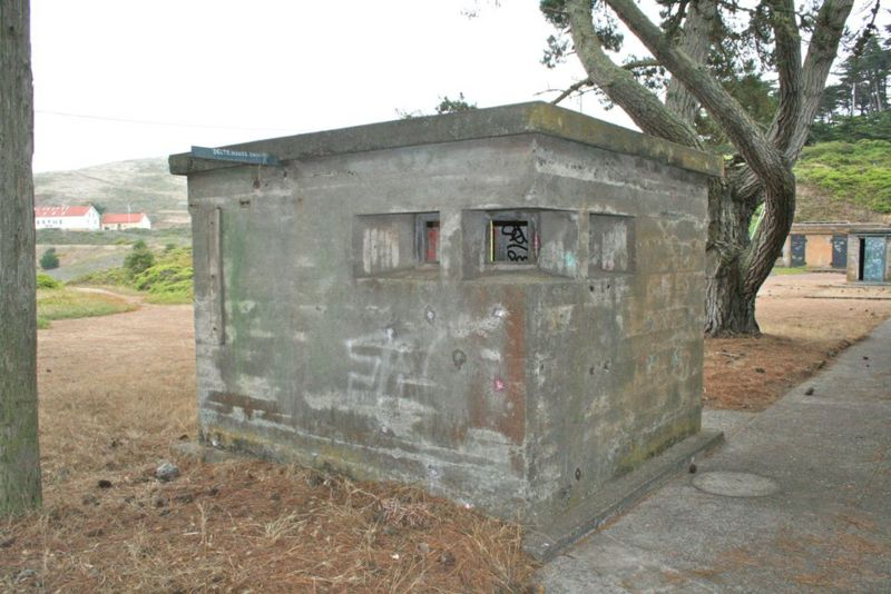 File:Fort Barry Battery Alexander Pit A Booth - 2.jpg