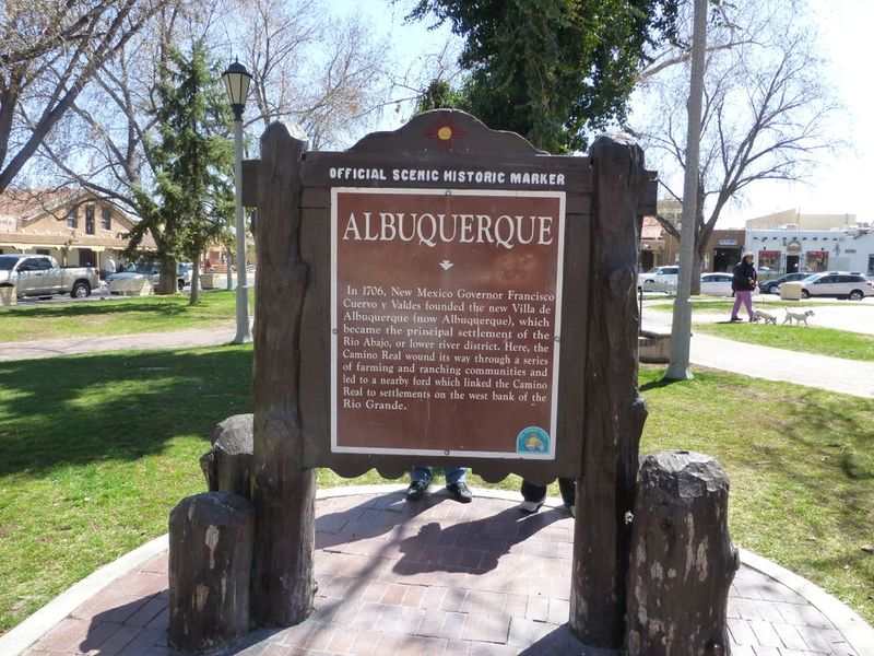 File:Albuquerque Plaza - 18.jpg