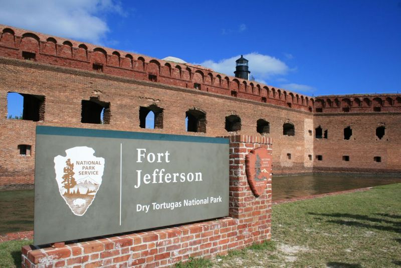 File:Fort Jefferson Entrance Sign - 1.jpg