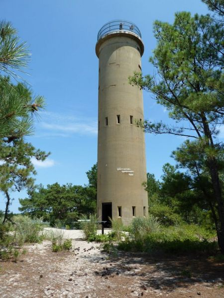 File:Fort Miles Observation Towers - 08.jpg