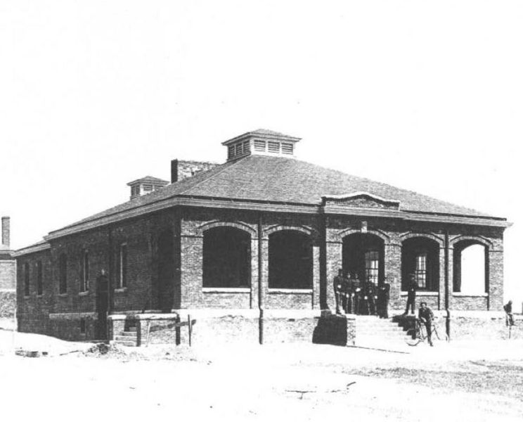 File:Fort Terry 1912 Guard House.jpg