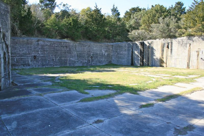 File:Fort Caswell Battery Bagely Emp1 - 1.jpg