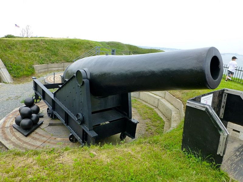 File:Fort Independence 15in Rodman - 3.jpg