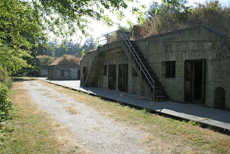 File:Fort Worden Battery Tolles A.jpg