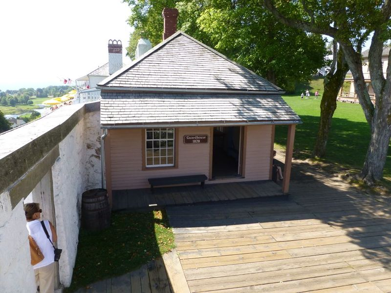 File:Fort Mackinac 1828 Guardhouse.jpg