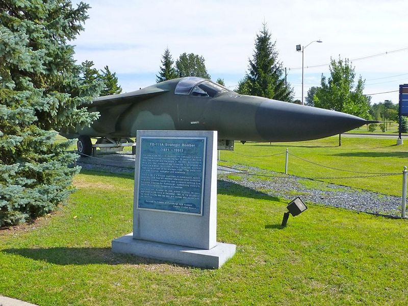File:Plattsburgh AFB FB-111 - 2.jpg