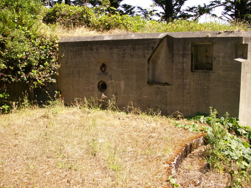 File:Battery O'Flying Gun Emplacement One - Left 2.JPG