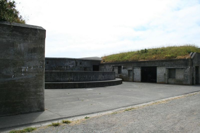 File:Fort Casey Battery Valleau - 2.jpg